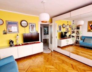 Apartament 2 camere, decomandat, 56 mp, balcon, etaj 5, lift, Marasti