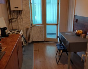 Vanzare apartament cu 2 camere, decomandat, balcon, 54 mp, zona Brates, Manastur