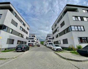 Apartament 3 camere, situat in Floresti, zona Stadionului