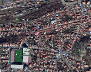Teren 400 mp cu casa demolabila, Gruia