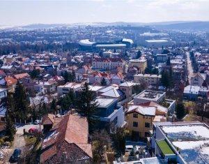 Apartament pe 2 nivele in vila, 180 mp, panorama catre oras, Grigorescu