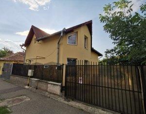 Maison 4 chambres à vendre dans Cluj-napoca, zone Marasti