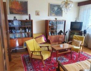Apartament decomandat, 2 camere 52 mp plus  logie, Piata Flora