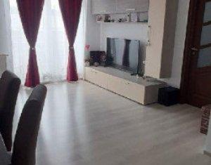 Apartament cu 3 camere decomandate, zona Baciu