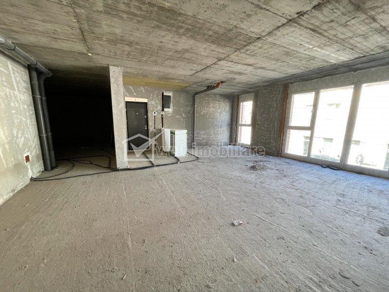Chirie birou sau comercial mezanin, geamuri catre strada, 84 mp, FSPAC