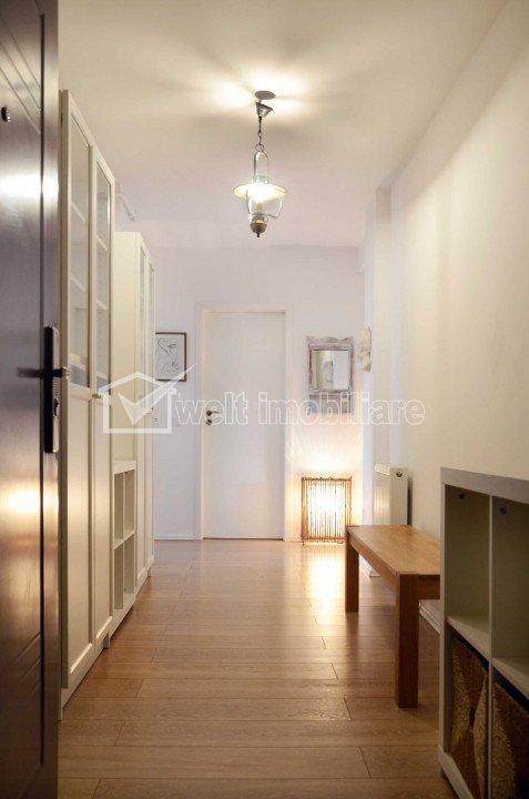 Vand apartament de 2 camere, etaj intermediar, parcare, zona Borhanci