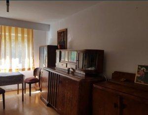 Apartament 2 camere, 55 mp, decomandat, parter, Nicolae Titulescu