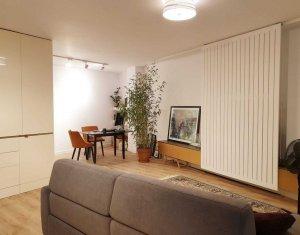 Oferta top, zona centrala, apartament spatios, luminos, cu terasa si parcare