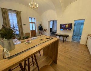 Apartament LUX 2 camere ultracentral cu parcare