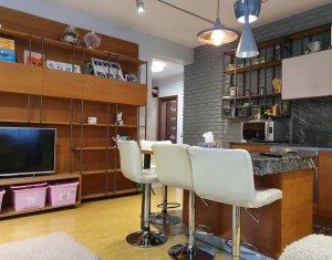 Apartament 3 camere in vila, ultrafinisat, 2 locuri de parcare, Zorilor