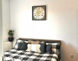 Apartament 2 camere , modern, balcon, parcare, zona Strazii Campina