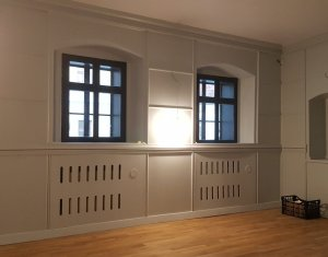 Spatiu comercial sau birou, curte interioara, zona str Napoca Centru