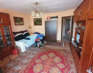 Apartament cu 2 camere decomandat, Floresti, zona Eroilor