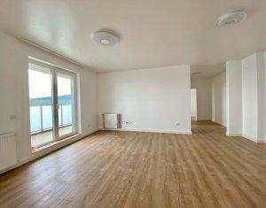 Apartament 3 camere, 72mp ultrafinisat, terasa 17 mp, 2 bai,  zona Calea Turzii