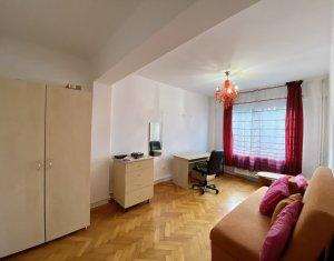 Inchiriere apartament 2 camere decomandate, strada Horea, zona Litere