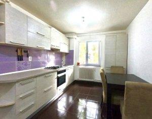 Apartament 3 camere, Gheorgheni, piata Hermes