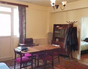 Apartament de inchiriat 2 camere , zona strazi Horea