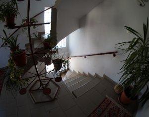 Ház 5 szobák kiadó on Cluj Napoca, Zóna Iris
