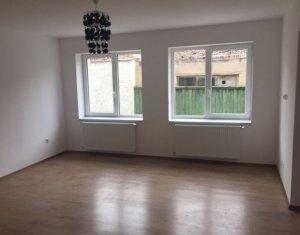 Ház 3 szobák kiadó on Cluj Napoca, Zóna Intre Lacuri