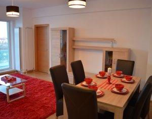 Apartment de inchiriat, 3 camere, 65 mp + 21 mp, etaj intermediar, Gheorgheni