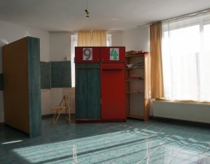 Vanzare casa amenajata ca si spatiu comercial , pentru diferite activitati