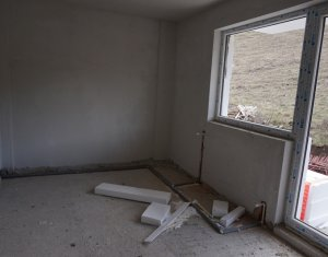 Vanzare apartament 3 camere, terasa de 20 mp, zona Valea Garbaului