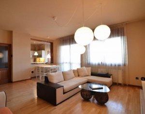 Apartment de inchiriat cu 3 camere, 135 mp, etaj intermediar, A. Muresanu