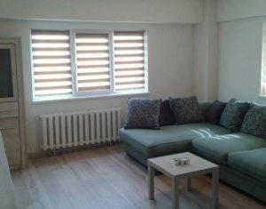 Inchiriere apartament 2 camere decomandate, zona Piata Cipariu