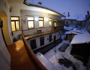 Apartament 2 camere de vanzare, zona Ultracentrala