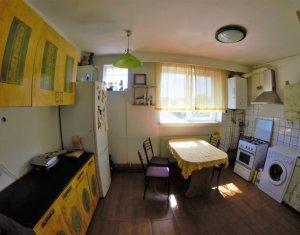 De vanzare apartament 3 camere decomandate in Andrei Muresanu