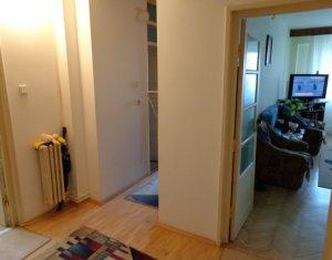 Apartament de 2 camere, decomandat, etaj 3, extrem de spatios, zona Electrica