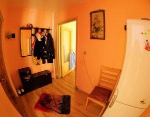 Apartament 3 camere, 50 mp, 2 locuri de parcare, langa McDonald's