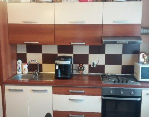 Vanzare apartament cu 3 camere, situat in Floresti, zona Tineretului