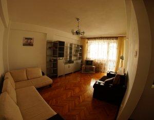 Appartement 4 chambres à louer dans Cluj-napoca, zone Manastur