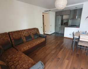 Apartament 3 camere, strada Florilor