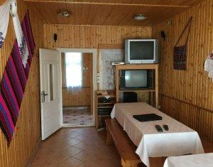 Cabana-Pensiune functionala la Dealul Negru - Belis, teren 1500mp, cazare 18pers