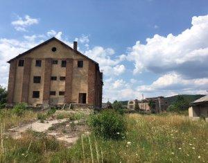 Teren industrial ingradit, Su 17823mp, 2 cai ferate, platforme, in Aghiresu