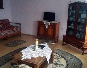 De inchiriat apartament decomandat cu 3 camere in Gheorgheni