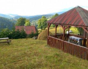 Casa de vacanta la Muntele Baisorii, finisata mobilata, teren 1000mp CF
