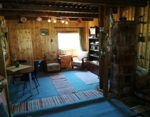 Casa de vacanta la Muntele Baisorii, finisata mobilata, teren 1000mp cu CF