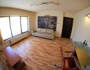Inchiriere apartament 2 camere, decomandat, cu loc de parcare, central
