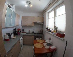 Apartament  2 camere, in zona centrala