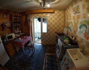 De inchiriat apartament cu 2 camere decomandat, Intre Lacuri