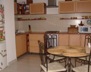 Appartement 3 chambres à louer dans Cluj Napoca, zone Plopilor
