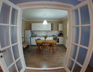 House 5 rooms for sale in Chinteni