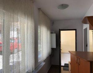 PRIMA INCHIRIERE! Apartament la casa, 2 camere, curte comuna, zona Centrala!