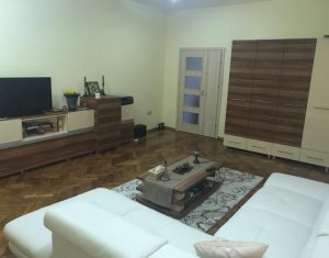 Apartament de vanzare cu 1 camera, 45 mp, mobilat, centru