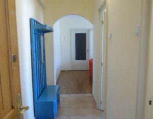 Inchiriere apartament 3 camere, zona UMF