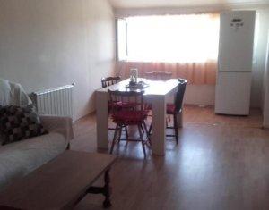 Inchiriere apartament cu 4 camere la casa, zona Gruia