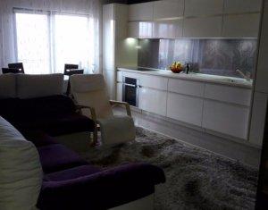 Vanzare apartament cu 3 camere, ansamblu privat, Floresti,Tautiului